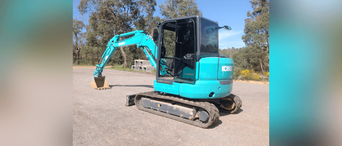 Dobson Excavations Excavation and Earthmoving Equipment Gallery - 6 Ton Excavator Blue