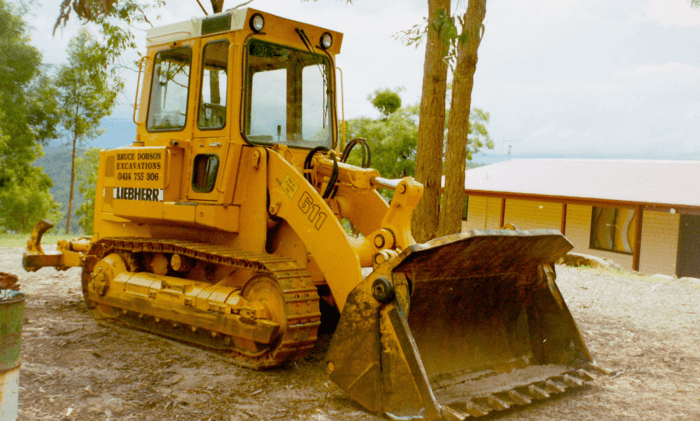 Dobson Excavations Excavation and Earthmoving Equipment Gallery - Mini Bulldozer Drott 700
